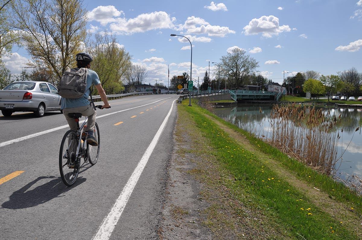 La piste cyclable de l'île Sainte-Thérèse.