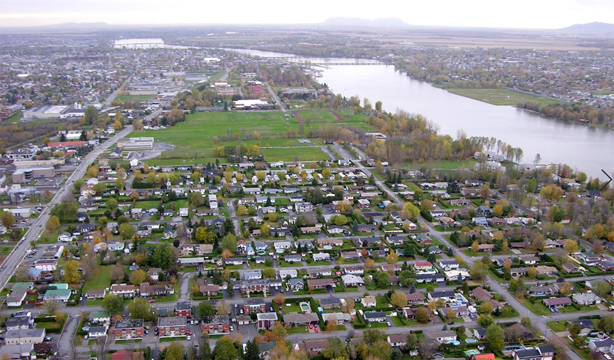 Vue aérienne d'un secteur résidentiel.