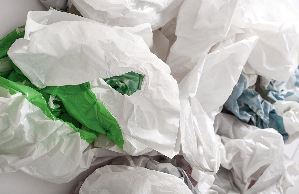 Sacs de plastique.