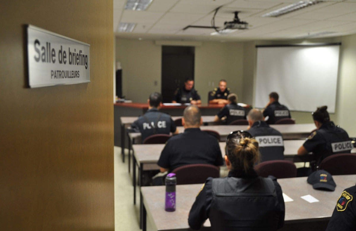 Salle de briefing.